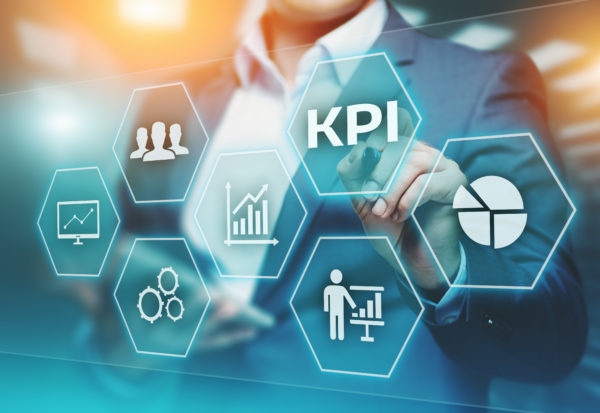 Four KPIs to Consider When Evaluating ROI of In-House vs Outsourced Human Capital Management Solutions